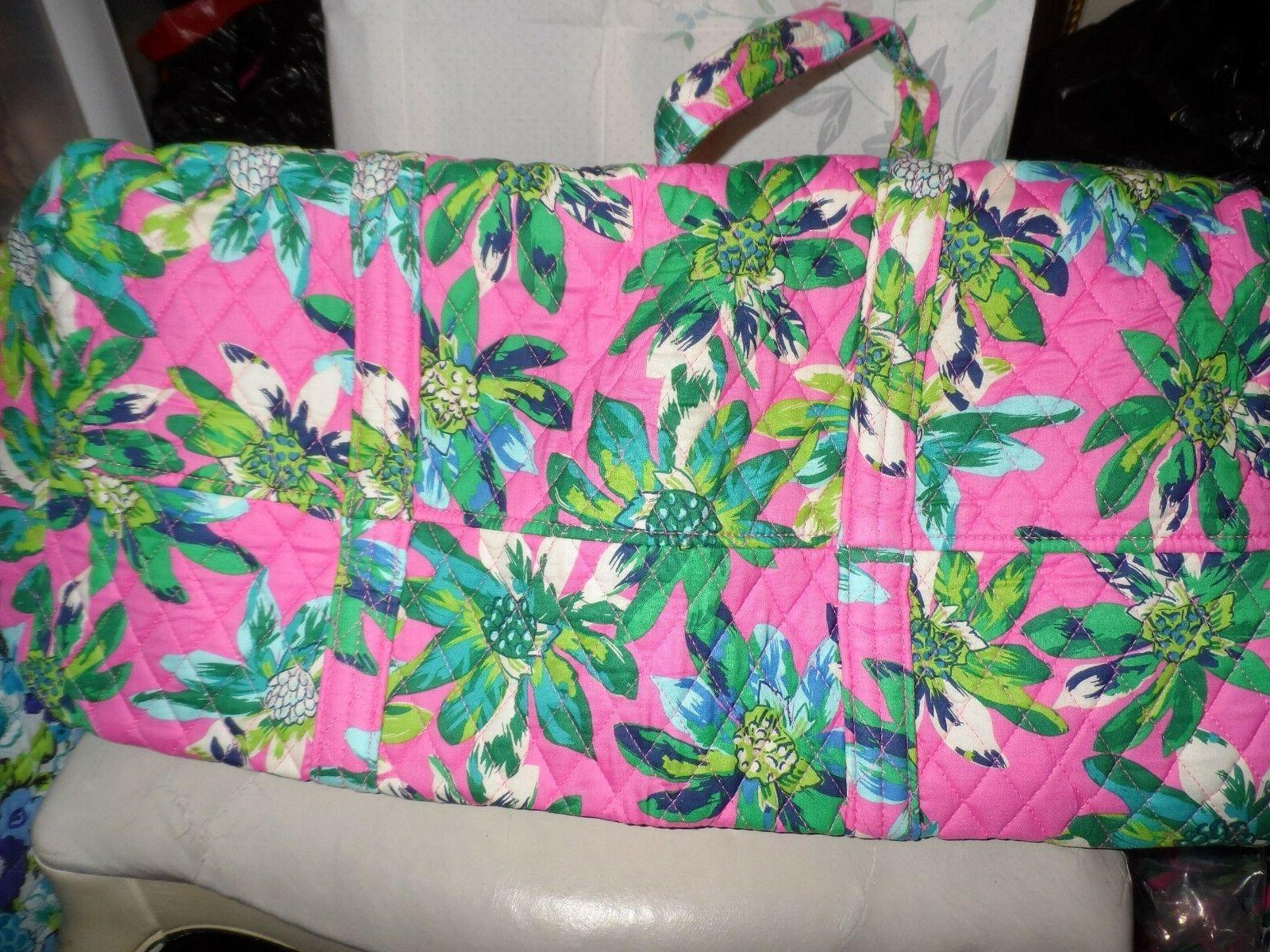 Vera small set in Tropical Paradise